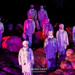 Torna PassionChrist nelle Grotte di Castellana l'8 Aprile